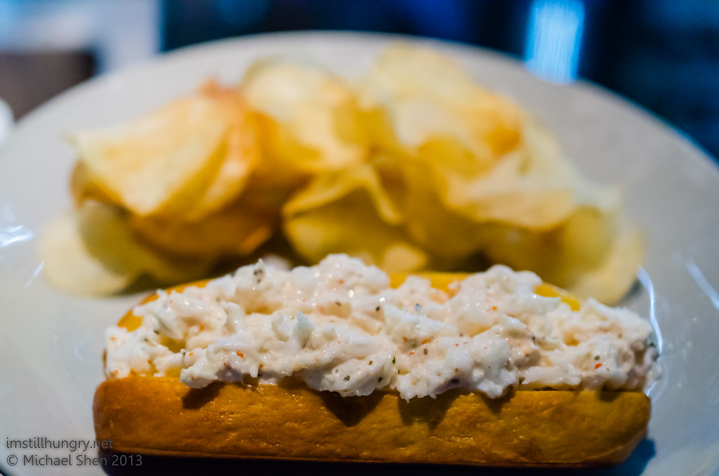 Momofuku Seiobo Spanner crab roll, celery salt chips