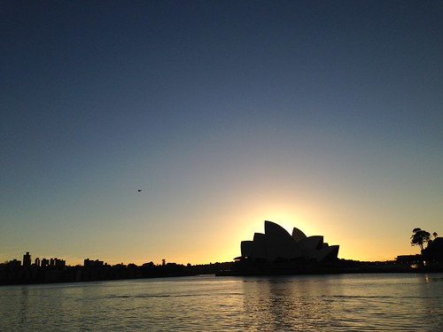 Early morning in Sydney: good morning opera house