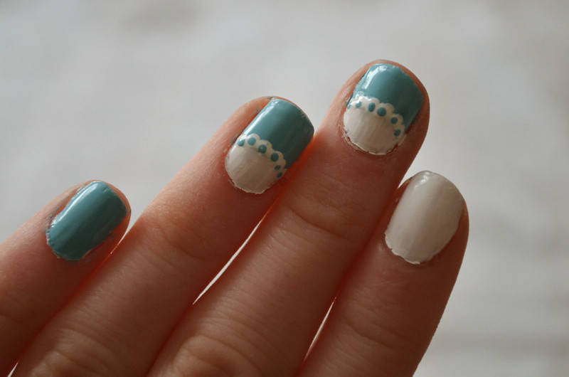 DIY Lace Frill Nails 3