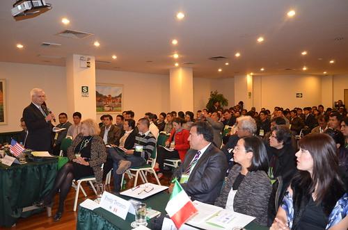 """1er. dia de conferencias de la V CUMBRE INTERNACIONAL  """"Cambio Climático y Sister Cities""""-Cusco Perú"""