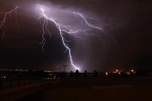 storm rain night clouds lights bolt rainstorm lightning storms lightningbolt stormclouds lateatnight lightningbolts cloudsstormssunsetssunrises brightlightning