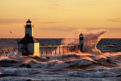 sunset lighthouse water evening waves wind stjoseph lakemichigan beacon catwalk greatlake gust northpier tiscorniabeach puremichigan sonysal70300g sonya65