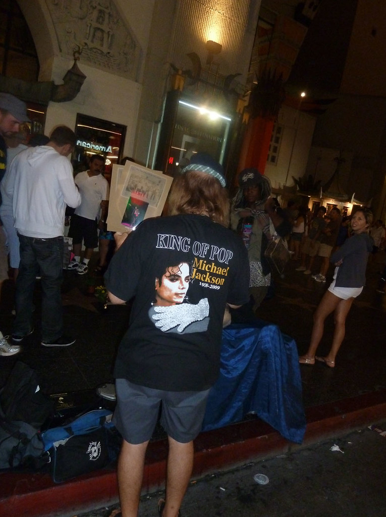 Los Angelos,  возле звезды Майкла Джексона, 29 августа