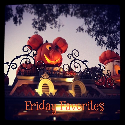 #halloweentime at #disneyland! #pumpkin #mickeymouse #halloween