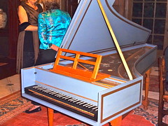 computer component(0.0), celesta(0.0), string instrument(0.0), electronic device(0.0), electric piano(0.0), player piano(0.0), string instrument(0.0), piano(1.0), keyboard(1.0), harpsichord(1.0), fortepiano(1.0), spinet(1.0),