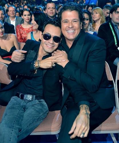 Premios Grammy Latino 2013, Marc Antony y Carlos Vives. Foto Rodrigo Varela-WireImage.com