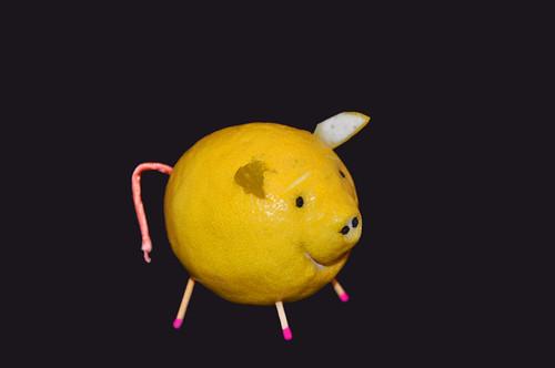 Schwein Zitrone Zitronenschwein Glückbringer Glücksschwein Glückssymbol Silvester sauer gelb