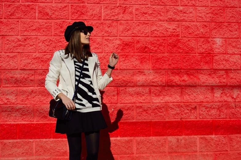 lara-vazquez-madlula-fashion-blog-white-biker-easy-black-outfit