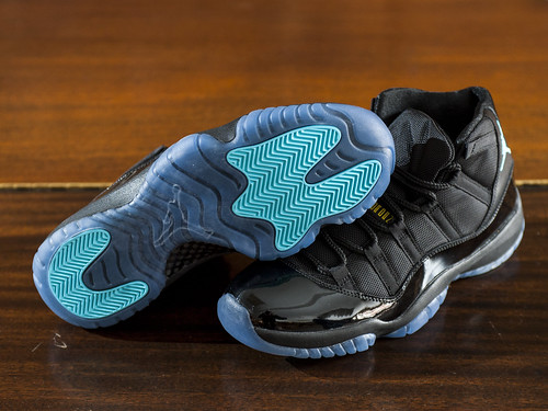 Air Jordan XI Black/Gamma Blue