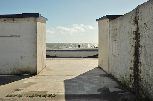 summer on a solitary beach (set)