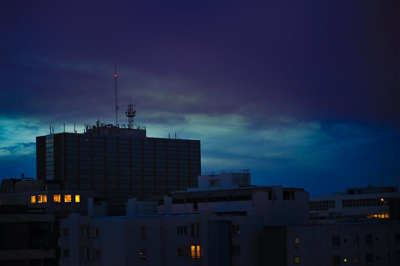 Evry Daily Photo - Vue de ma Fenetre - L Heure Bleue