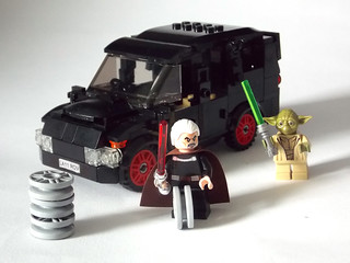 LEGO Minifigure scale Car - 7-wide SUV - seats 7 minifigs (with Count Dooku changing it's wheel colour)