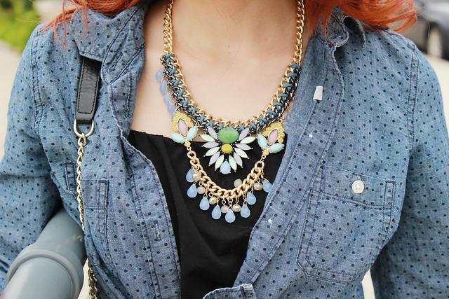 love-pretty-love-necklace-closeup