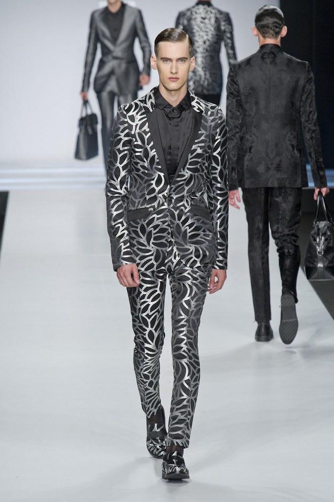 SS14 Milan Ji Wenbo049_Robin Barnet(fashionising.com)