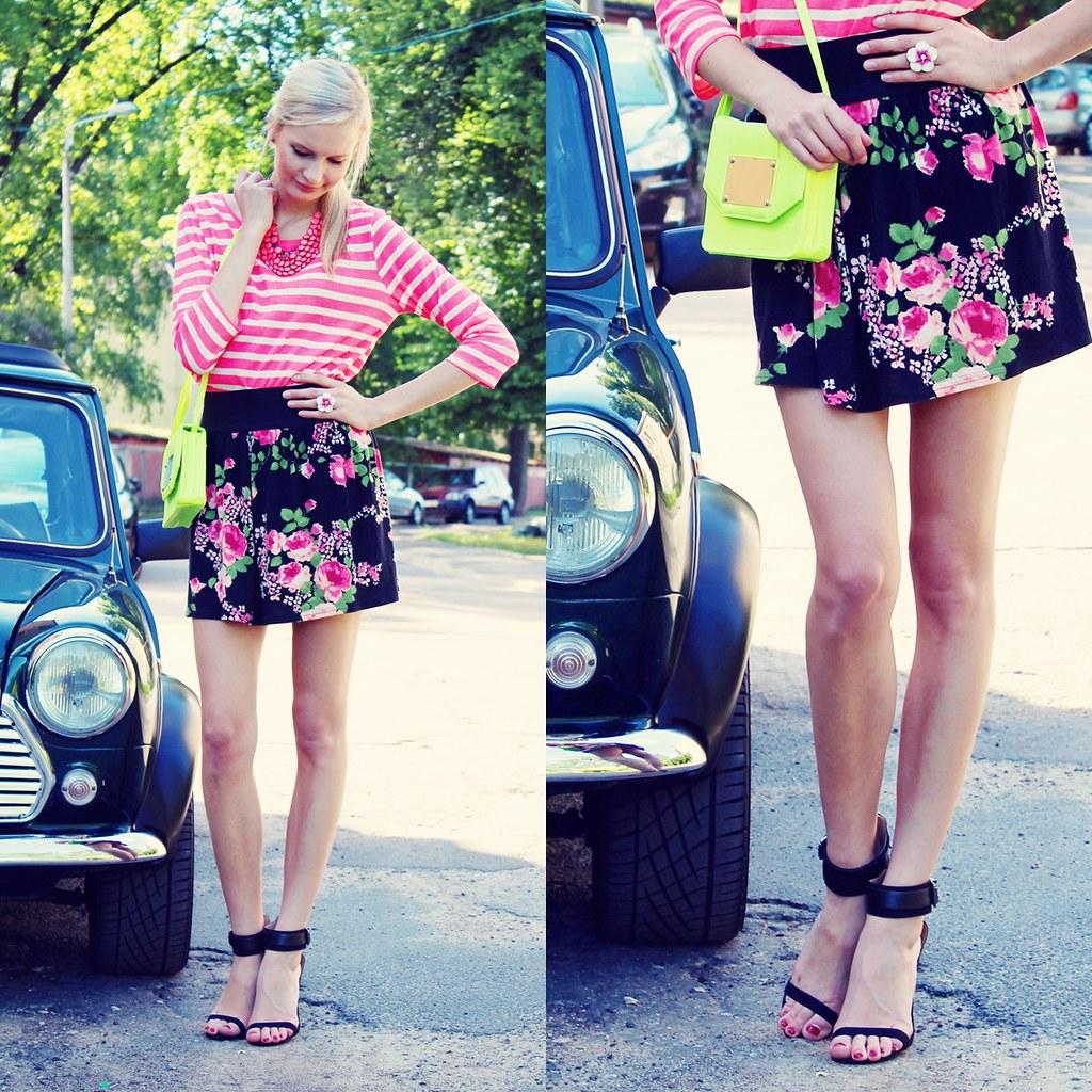 Floral print, neon bag, zara sandals