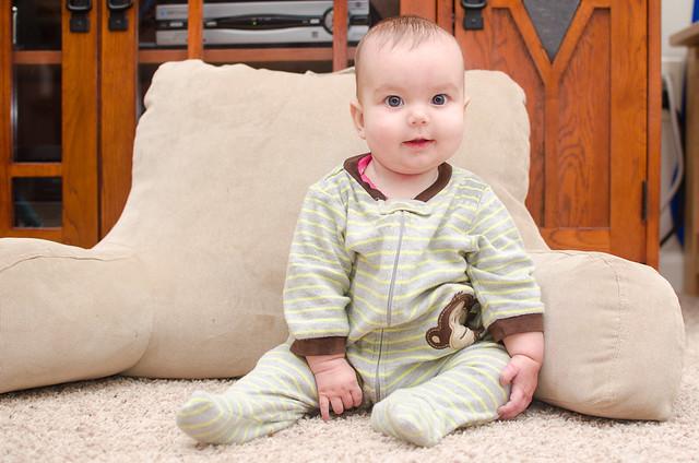 20130817-Coraline-Sitting-3216