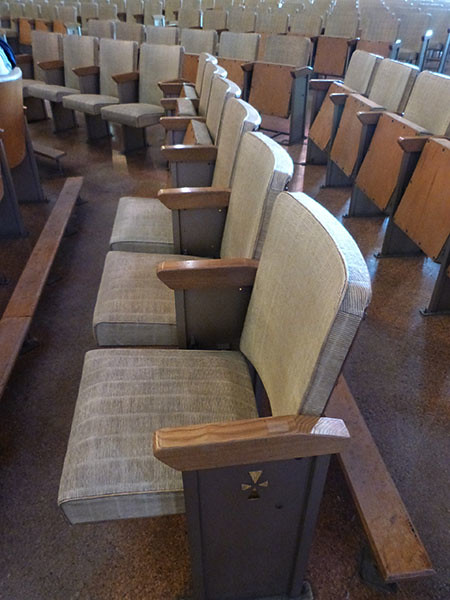 chaises eglise