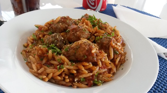 Orzo pasta with meatballs