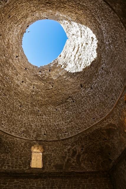 Oculus in the dome, Palace of Ardashir, Iran アルダシール宮殿、ドーム天井の天窓