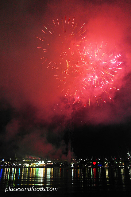 darling harbour red fireworks