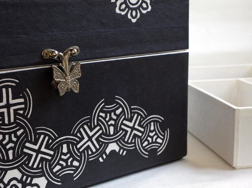 hanji-jewelry-box-cut-paper-detail