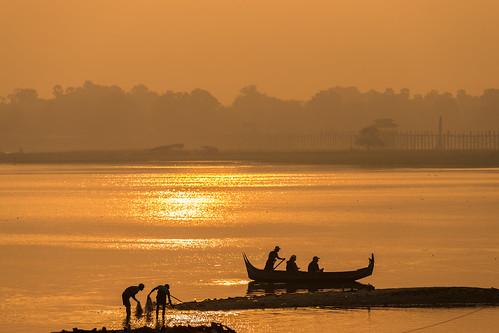bridge lake burma myanmar mandalay amarapura ubein taungthaman ubeinsbridge
