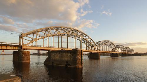 bridge sunset river town outdoor sony riga daugava lettonie a99 рига variosonnart281635 sal1635f28 ilobsterit