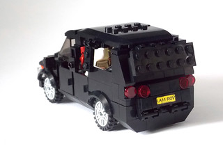 LEGO Minifigure scale Car - 7-wide SUV - seats 7 minifigs 4