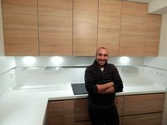 Dani en su cocina