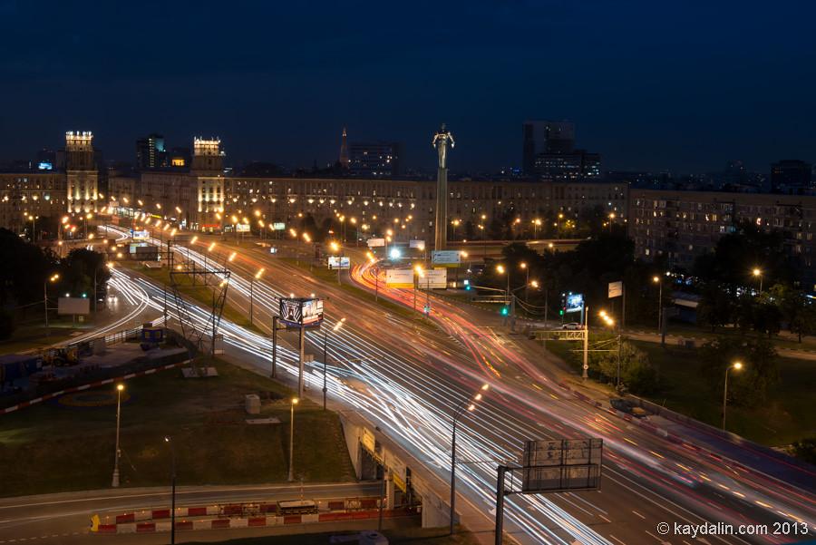 Площадь гагарина, фото с крыши, ночная панорама, размытые фары