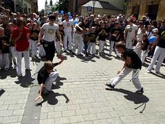 sports(0.0), crowd(1.0), dance(1.0), street dance(1.0),