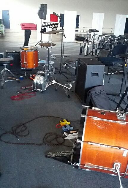 Drummer-less
