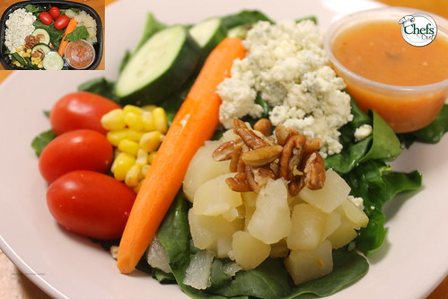 Spinach Salad with Pears, Blue Cheese, Pecans & Balsamic Shallot Vinaigrette
