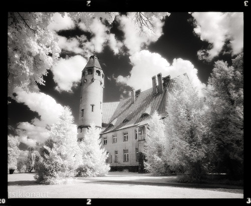 park sky bw tower castle film architecture analog ir blackwhite europe estonia glow pentax drum fort scanner north dream dramatic baltic scan dreaming east infrared glowing dreamy analogue 6x7 northern eastern effect fortress aura 67 kami baltics analogica eesti efke 11000 drumscan pmt 赤外線 infrapuna sangaste fotograafia эстония エストニア инфракрасный ir820 negroiblanco photomultipliertube scanview scanmate استونيا infrapunane slx2001 الأشعةتحتالحمراء