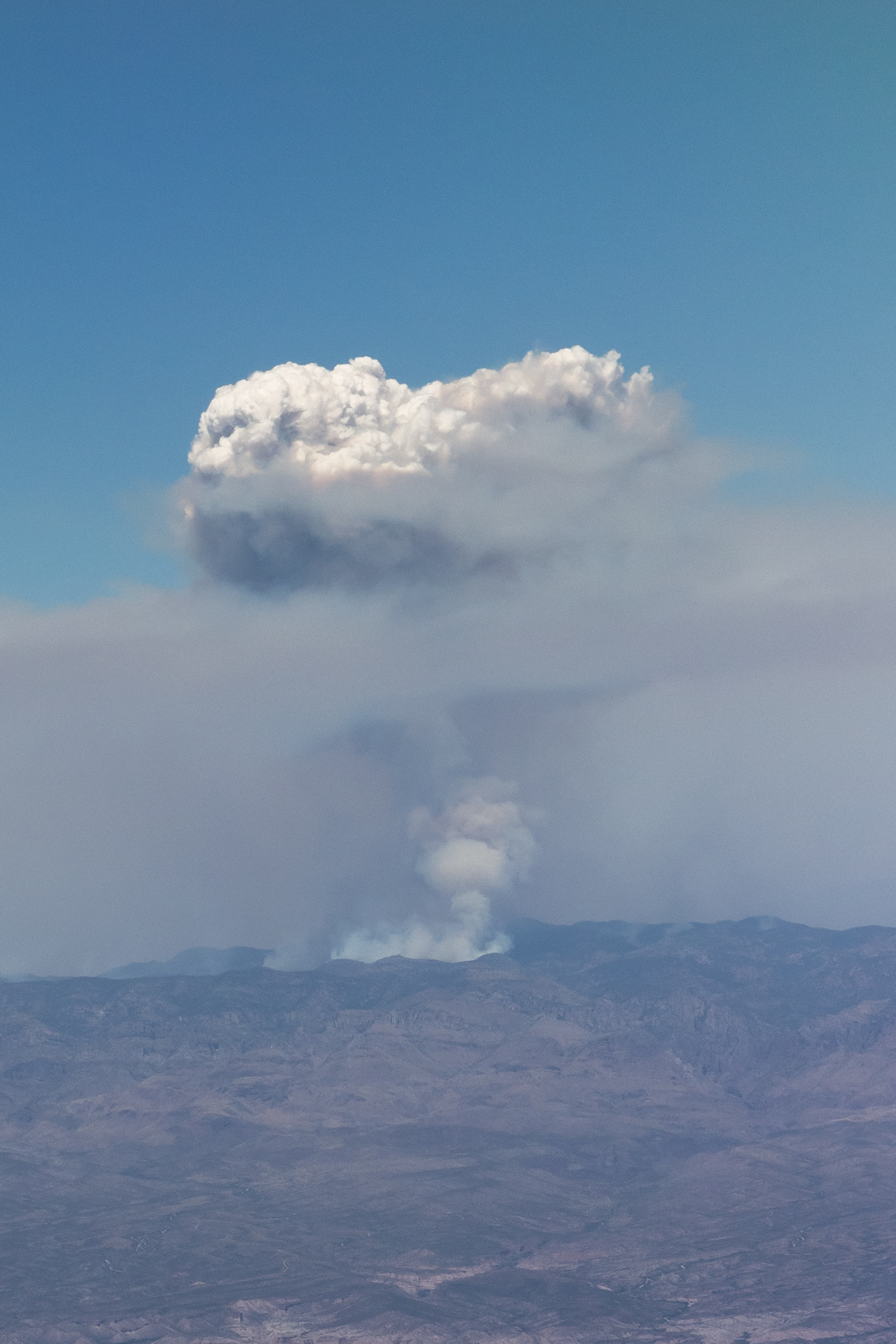1406 Oak Fire in the Galiuro Mountains from the Kellogg Trail