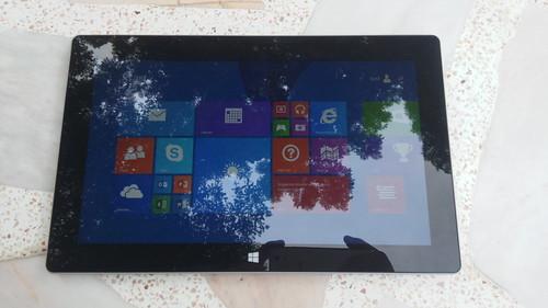 Microsoft Surface 2 ด้านหน้า