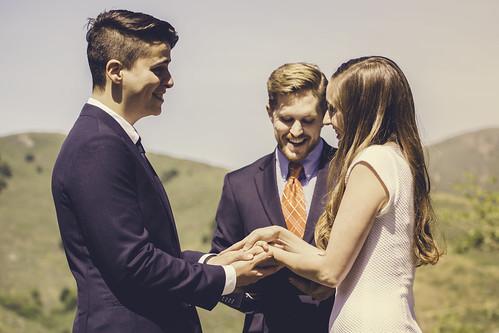 small wedding tips