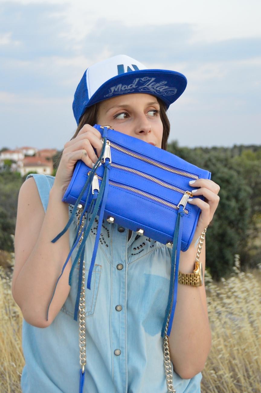lara-vazquez-mad-lula-fashion-look-denim-blue-style-streetstyle