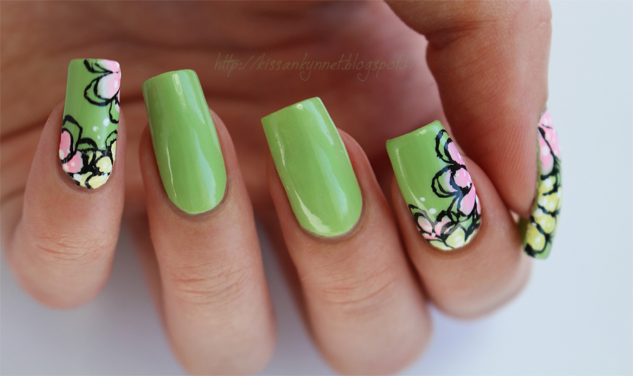 Sally_Hansen_Palm_Treat_flowers_2