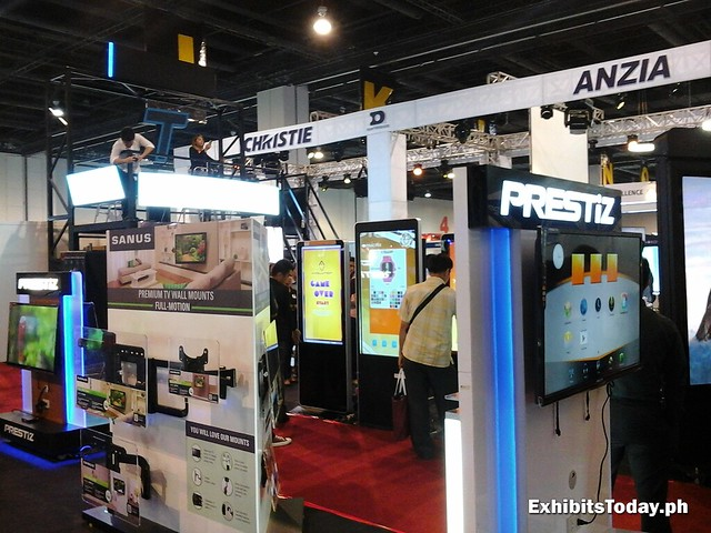 Smart TVs Exhibit Displays