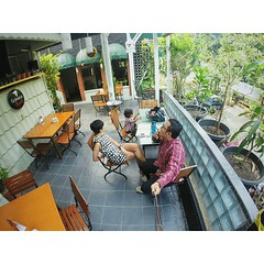 Found this cool place to hang or just enjoying a glass of cold beer in bogor.