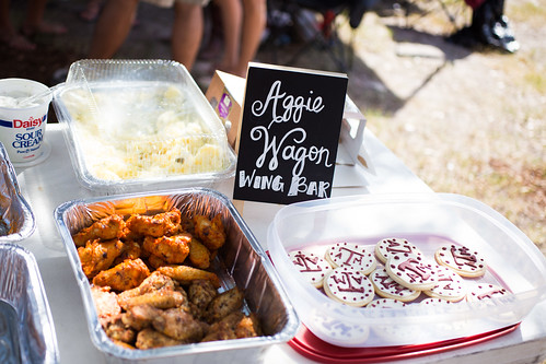 Tailgate Wing Bar #wingsandwipes #pmedia #ad