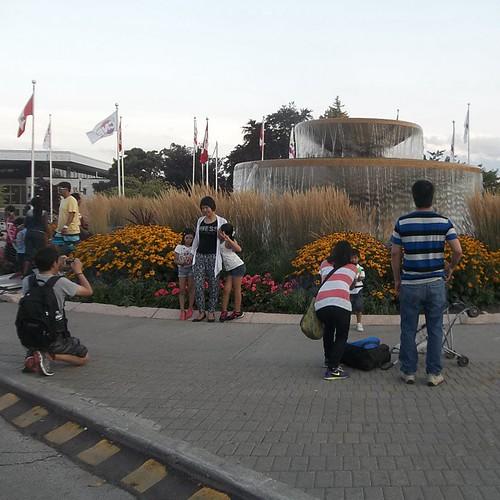 Posing at the Princess Margaret Fountain #toronto #Torontophotos #cne #exhibition #fountains #princessmargaretfountain