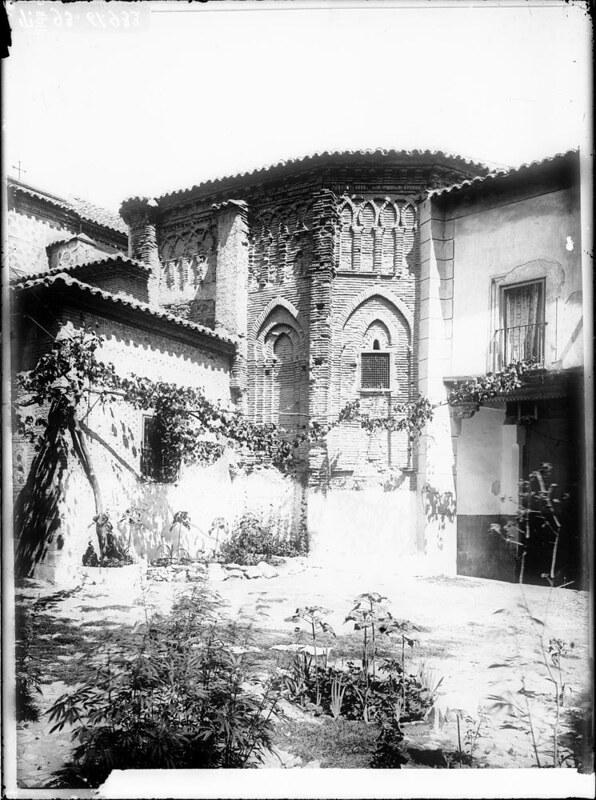 Ábside del Convento de Santa Fe a comienzos del siglo XX. Fotografía de J. Lacoste © MECD, Fototeca del IPCE, signatura VN-22616_P