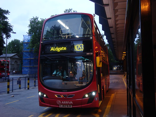 Arriva London HV81 on Route N253, Euston Station