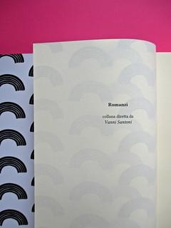 Romanzi, collana di Tunué edizioni. Progetto grafico di Tomomot; impaginazione di TunuéLab. Verso del risvolto della copertina, verso della carta di guardia, frontespizio [Barison] (part.), 2
