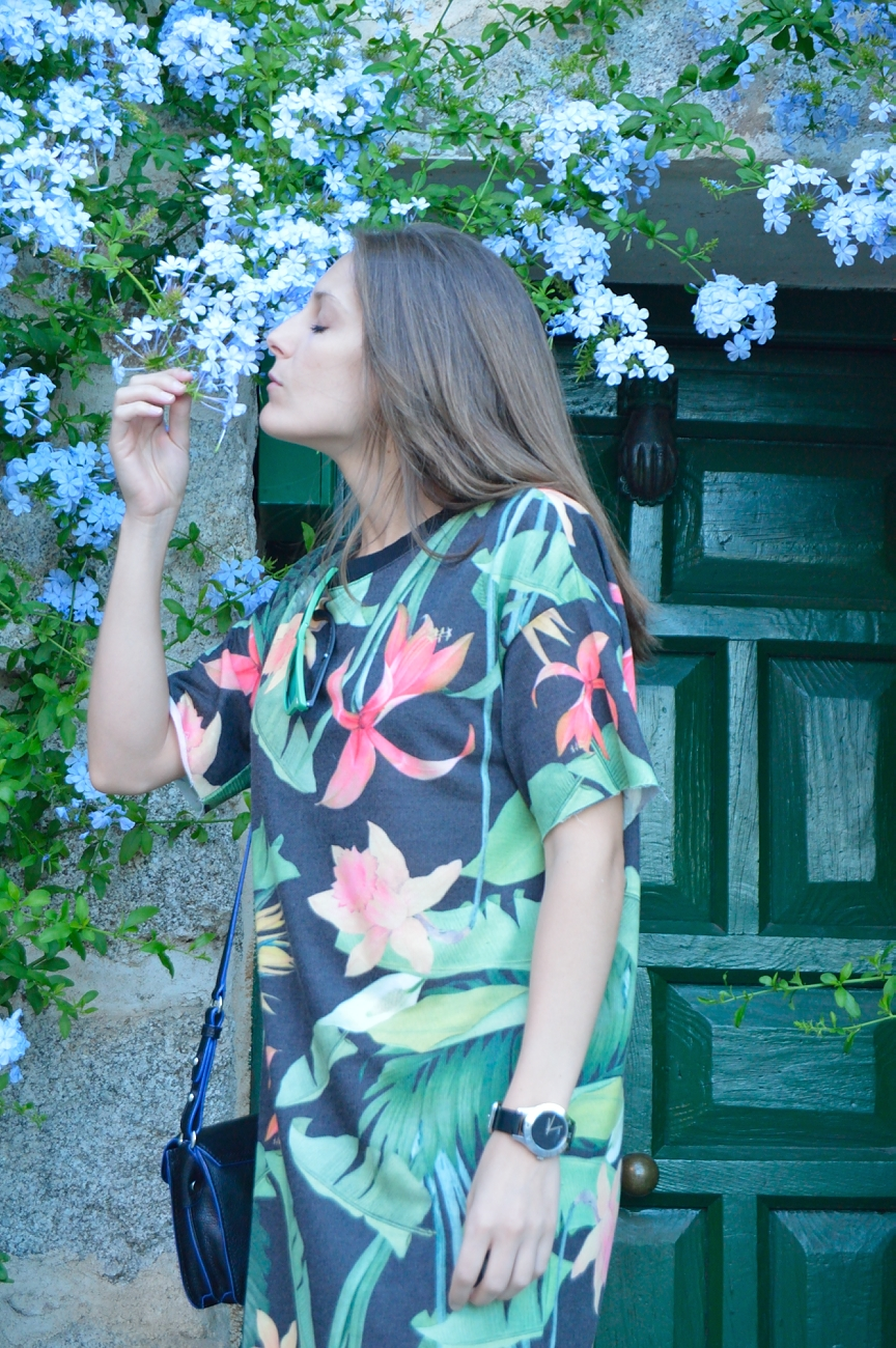 lara-vazquez-madlula-blog-style-streetstyle-look-tropic-dress
