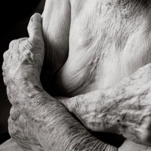Photography-of-a-centenarian-7-640x640