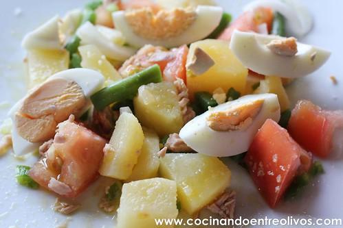 Ensalada de patata, tomate y judías verdes www.cocinandoentreolivos (6)