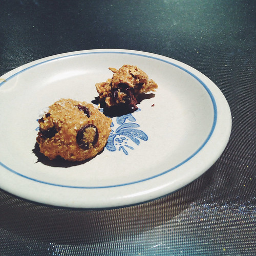Flourless, sugarless choc chip cookie